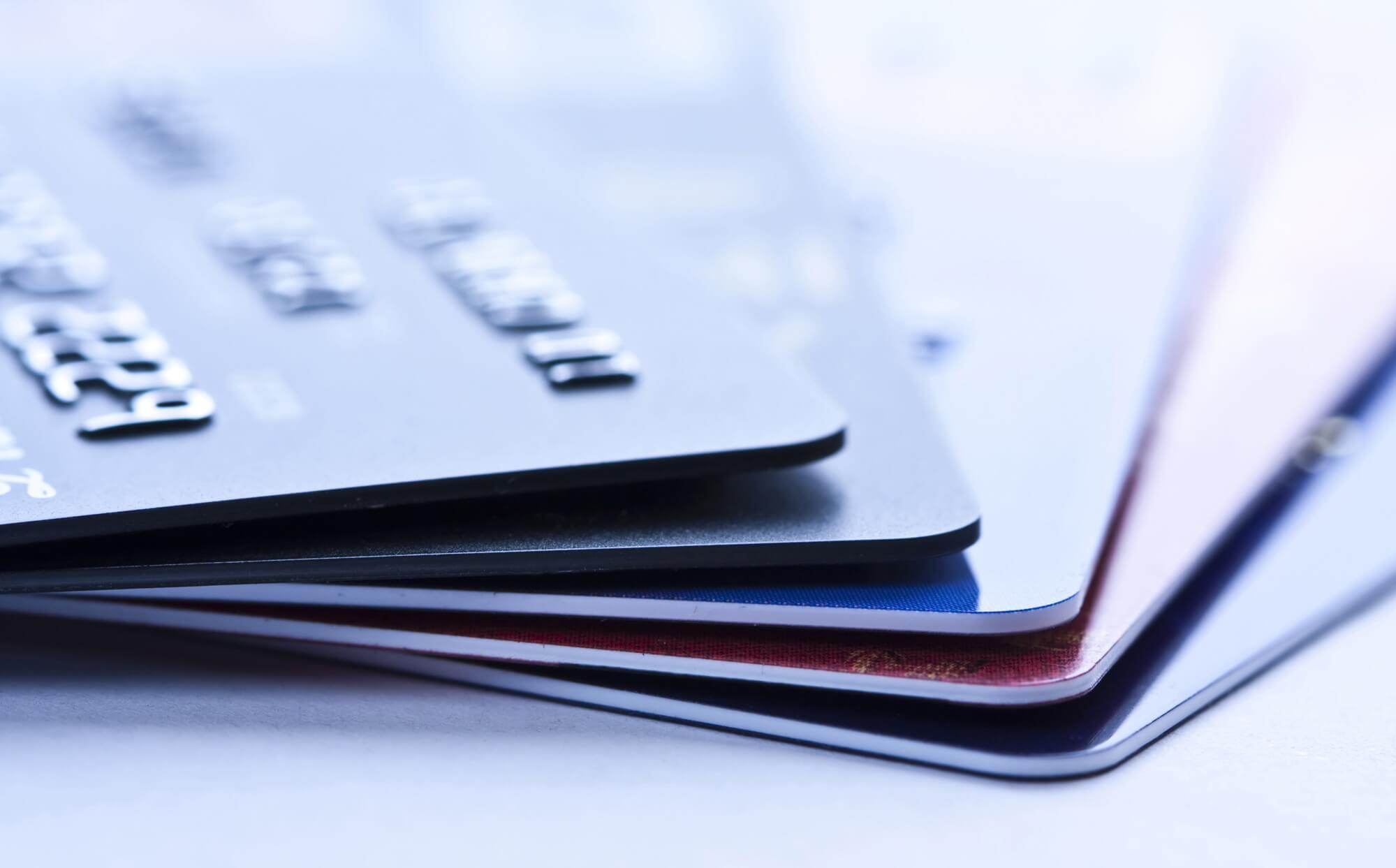 оформить кредит по загранпаспорту деньги в долг под залог птс в москве